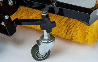 Alpina Frontkehrmaschine für AT8 122 HCB Aufsitzmäher Bild 2