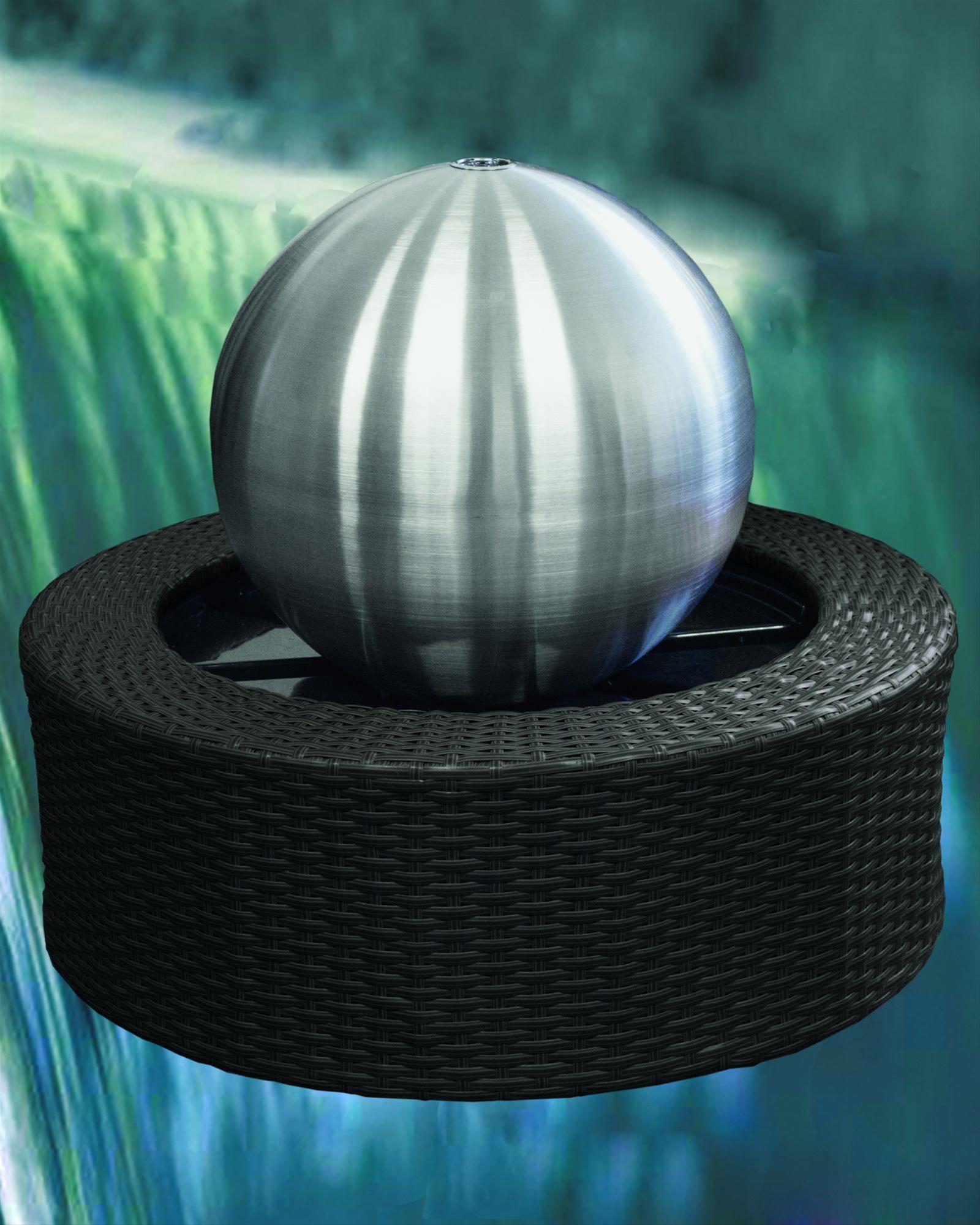 Wasserspiel / Gartenbrunnen GardenForma Edelstahl-Kugel matt LED Ø35cm Bild 3