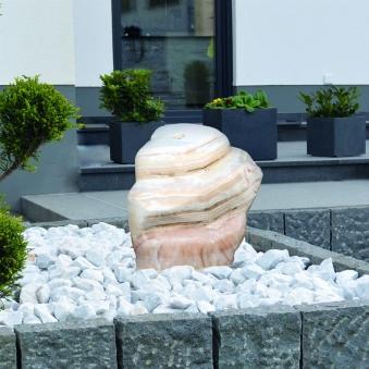 Wasserspiel / Gartenbrunnen GardenForma Findling Yellow Belt Marmor Bild 2