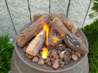 GardenForma Keramik Holzscheite für Gas-Feuerstelle Fallholz Optik Bild 2