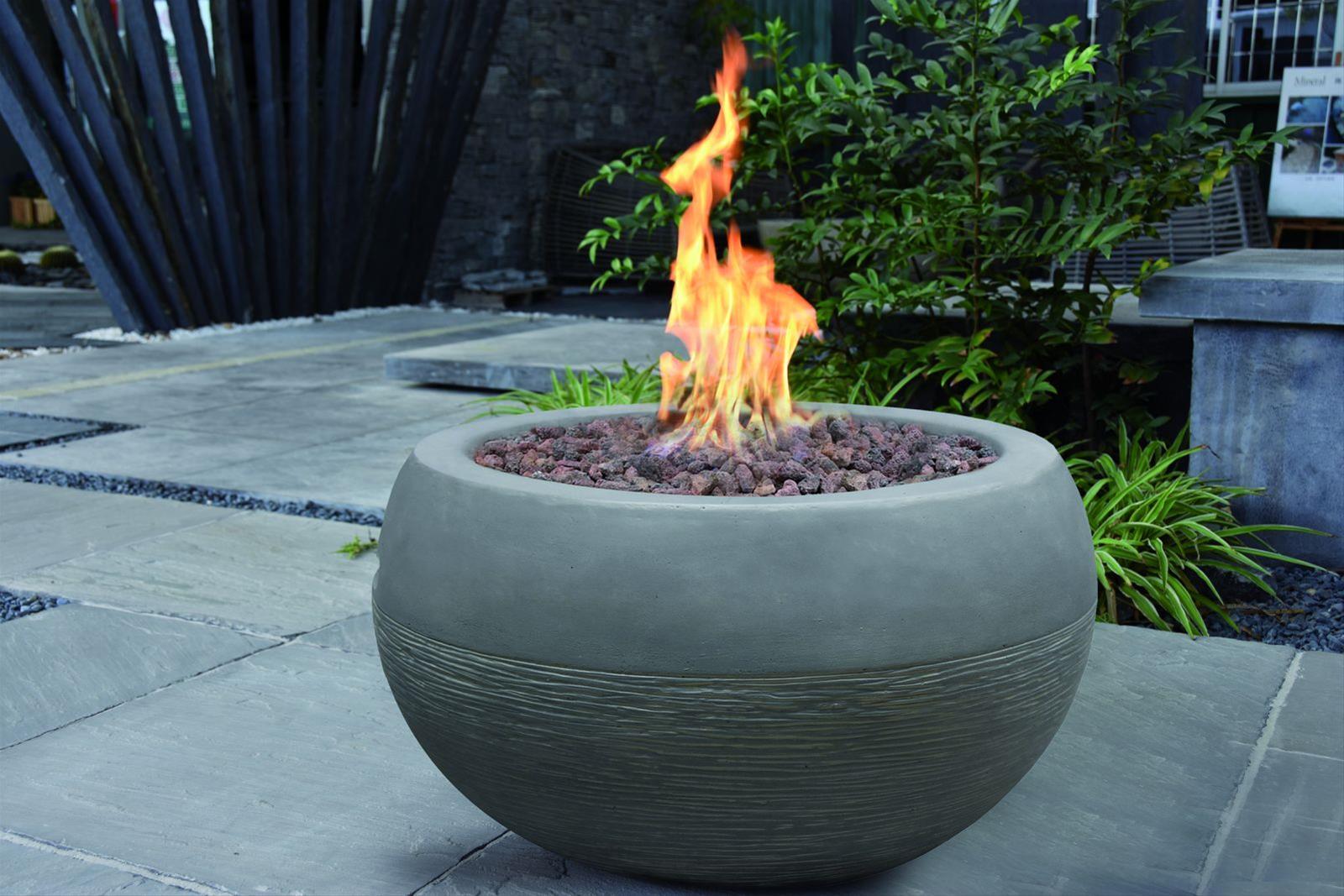 Gas Feuerstelle / Gartenfeuer GardenForma Marra Beton-Optik grau Bild 2