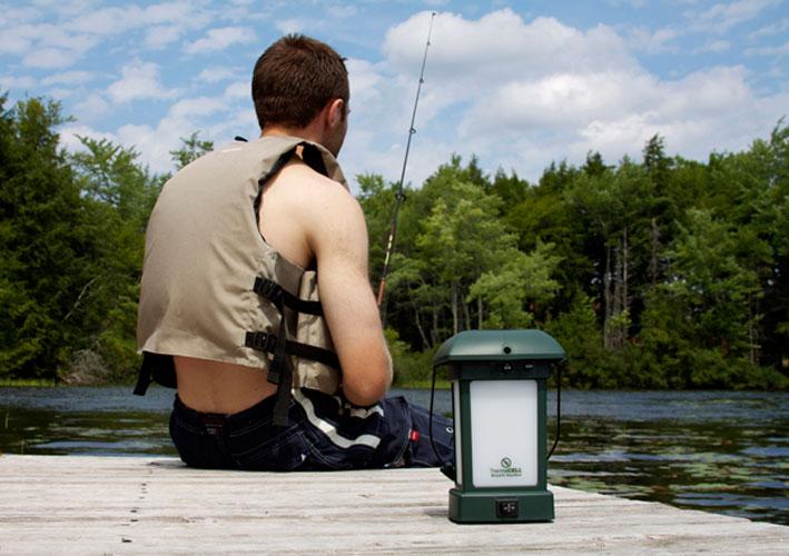 ThermaCell Camping Laterne mit Insektenschutz und Kippschalter Bild 2