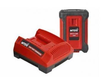 MTD Batterie + Ladegerät / 40V Li-Ion Akku System 40V 4,0Ah