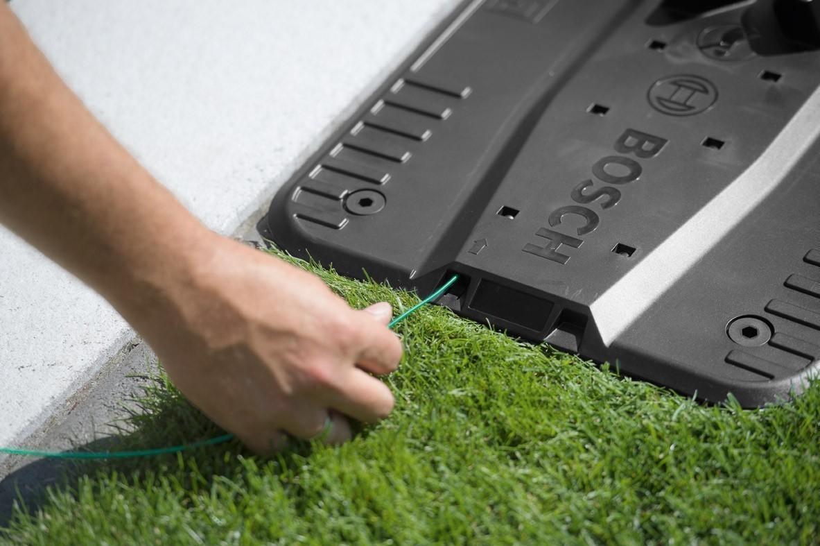 Fixiernägel / Erdschrauben für Ladestation Bosch Indego Rasenroboter Bild 2