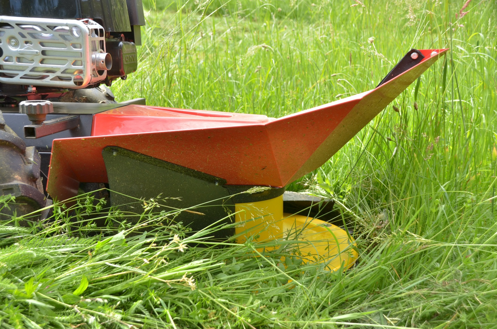 Gestrüppmäher / Kreiselmäher BDR-620DBiS Dorotha B&S 875 iS 62cm Bild 6
