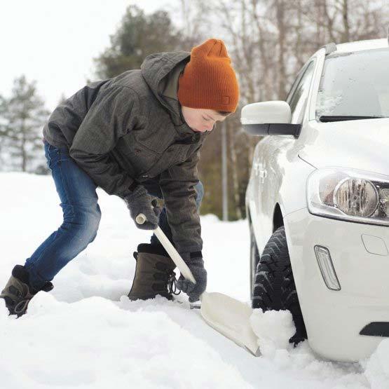 FISKARS Schneeschaufel / SnowXpert Autoschaufel Bild 2