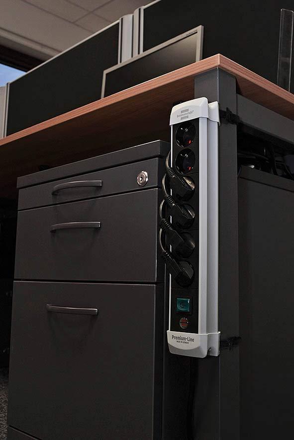 Brennenstuhl Steckdosenleiste Premium-Line 8-fach schwarz/grau 3m Bild 2