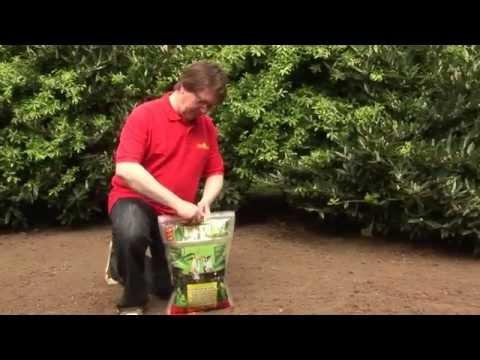Wolf Garten Premium-Rasen mit Starter Dünger Sanierung L200SM f. 200m² Video Screenshot 445